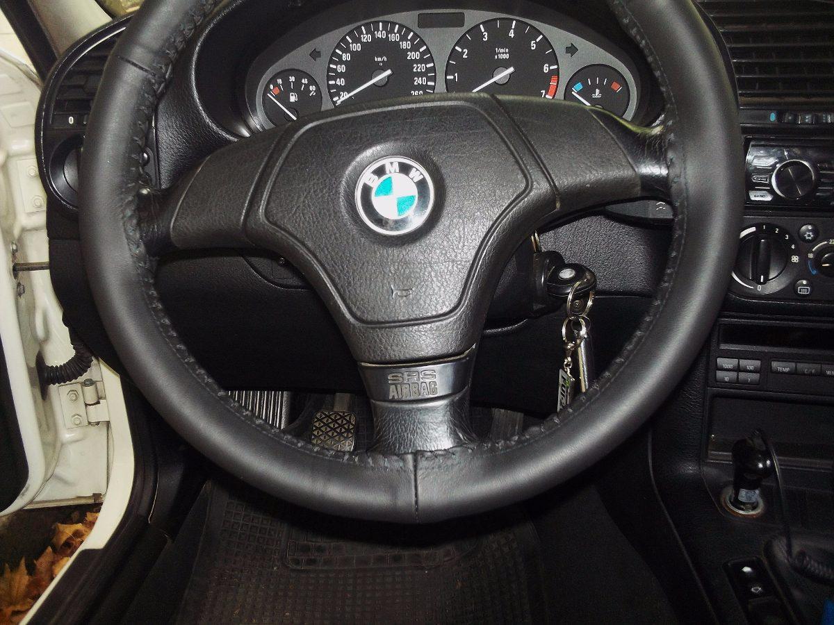 Cubre volantes 100 cuero para autos en for Cubre piletas precios