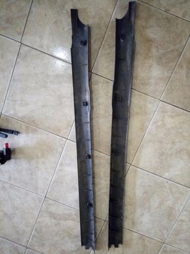 cubre zocalo plástico piso ford sierra xr4 izq y derecho