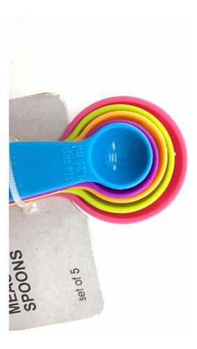 cucharitas medidoras pequeñas
