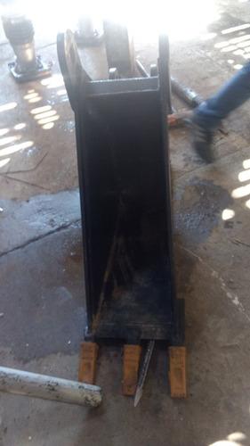 cucharon de 12 pulgadas para retroexcavadora case nuevo