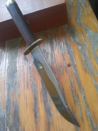 cuchillo antiguo artesanal
