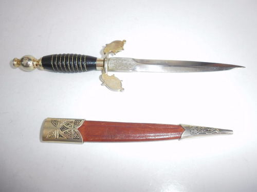 cuchillo de toledo espana con forro piel y laton