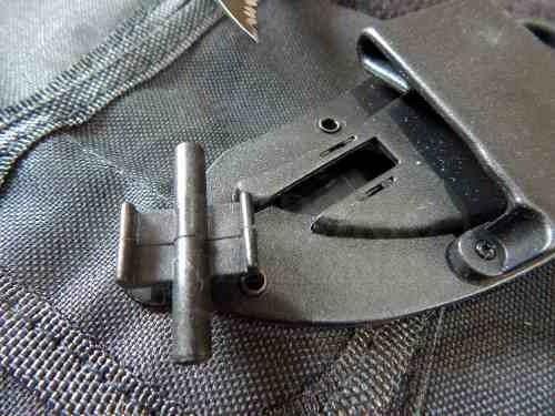cuchillo garra karambit, dientes piraña, supervivencia, camp