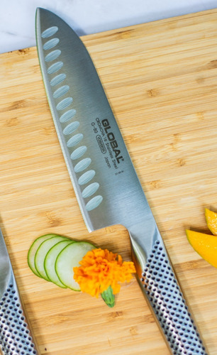 cuchillo global santoku alveolado g80