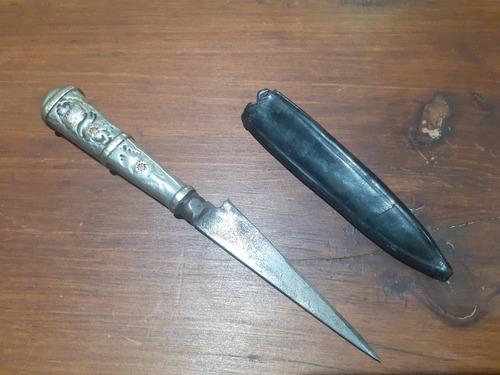 cuchillo verijero plata y oro, pequeño con vaina antiguo
