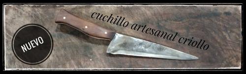 cuchillos y hachuelas artesanales