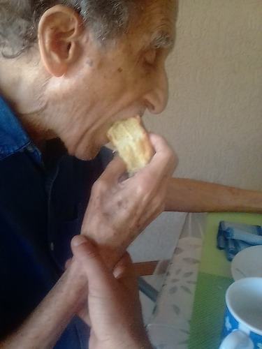 cuidador especializado de idosos e pcd