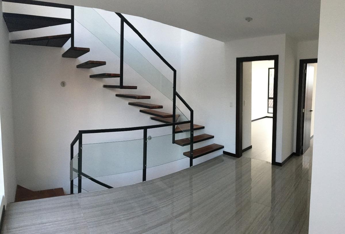 cumbayá - venta casa esquinera 3 o 4 dormitorios + jardín