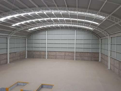 cumbres de conin 1,200 m2 nueva andenes/oficinas