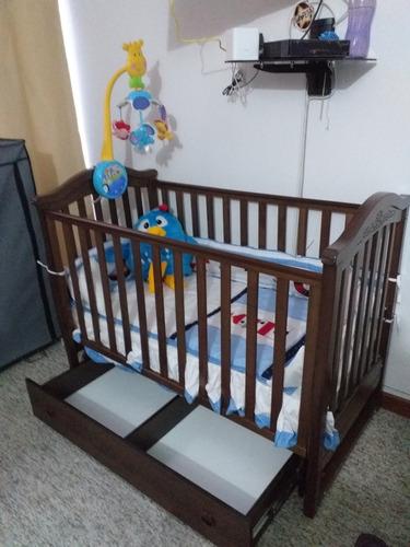 cuna de madera para bebé con cajones como nueva