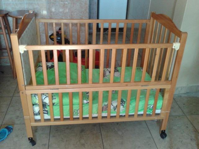 Cuna de madera para bebe usada en buena condiciones bs for Cunas para bebes de madera