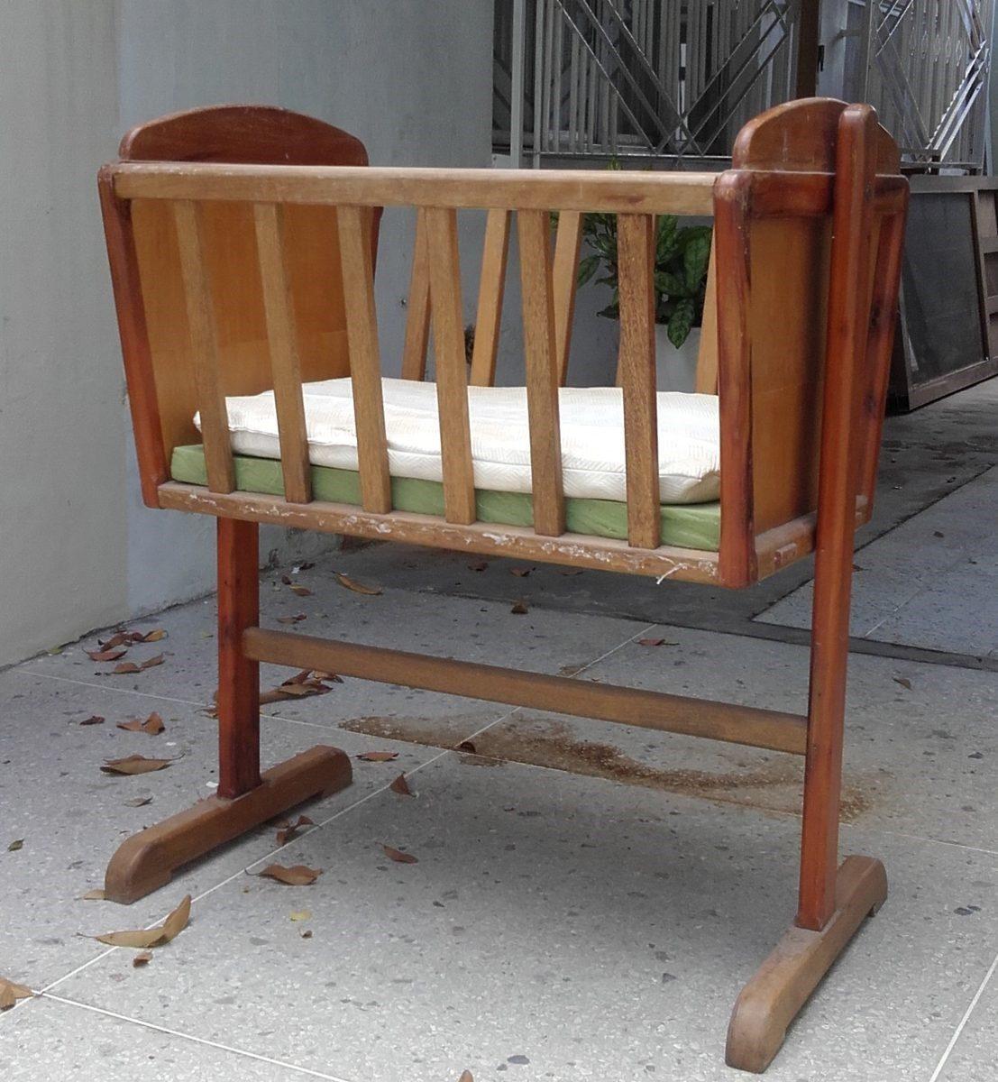 Cuna de madera para bebe cuna de madera para bebe cuna for Cunas para bebes de madera