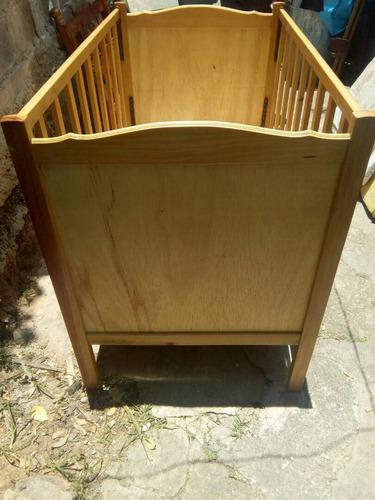 cuna de madera poco uso
