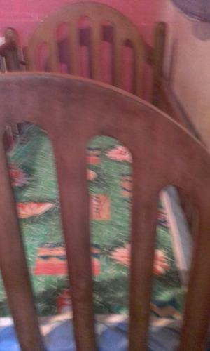 cuna de madera usada