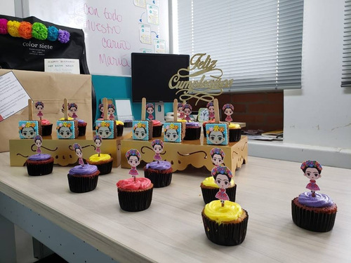 cupcakes, tortas mesas dulces