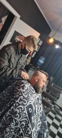 curso de barbeiro com estágio na barbearia