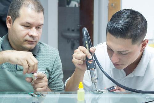 curso de reparación y mantenimiento de dispositivos móviles.