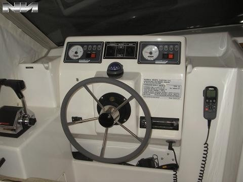 custon 35 con motor nanni de 200 hp