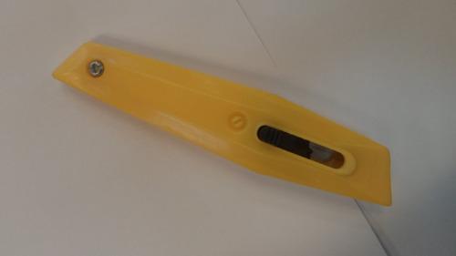 cutter trincheta 15 cm. con hoja trapecio plástico e4573