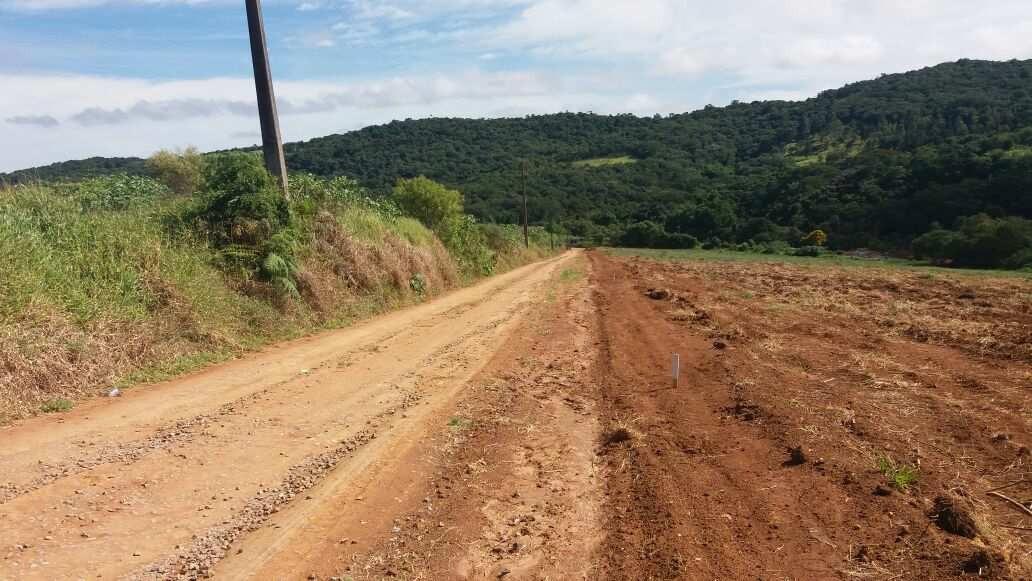 d seu terreno prox do asfalto e comercios com toda infra
