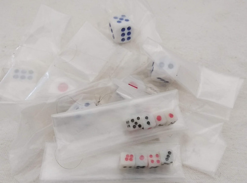 dados y mini dados para juegos de mesa en 2 colores