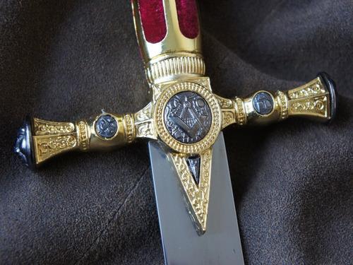 daga masónica de exhibición