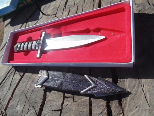 daga,puñal tactica ,estilo medieval gotica