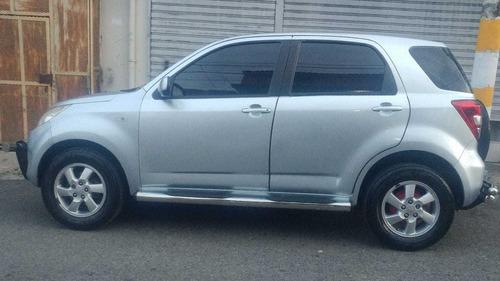 daihatsut terios 2008, color gris plateado, 5 puertas