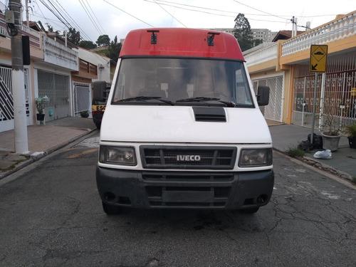 daily furgão iveco