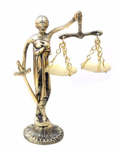 dama da justiça símbolo do direito em bronze advogados juiz