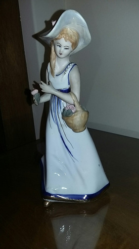 dama de porcelana húngara sellada