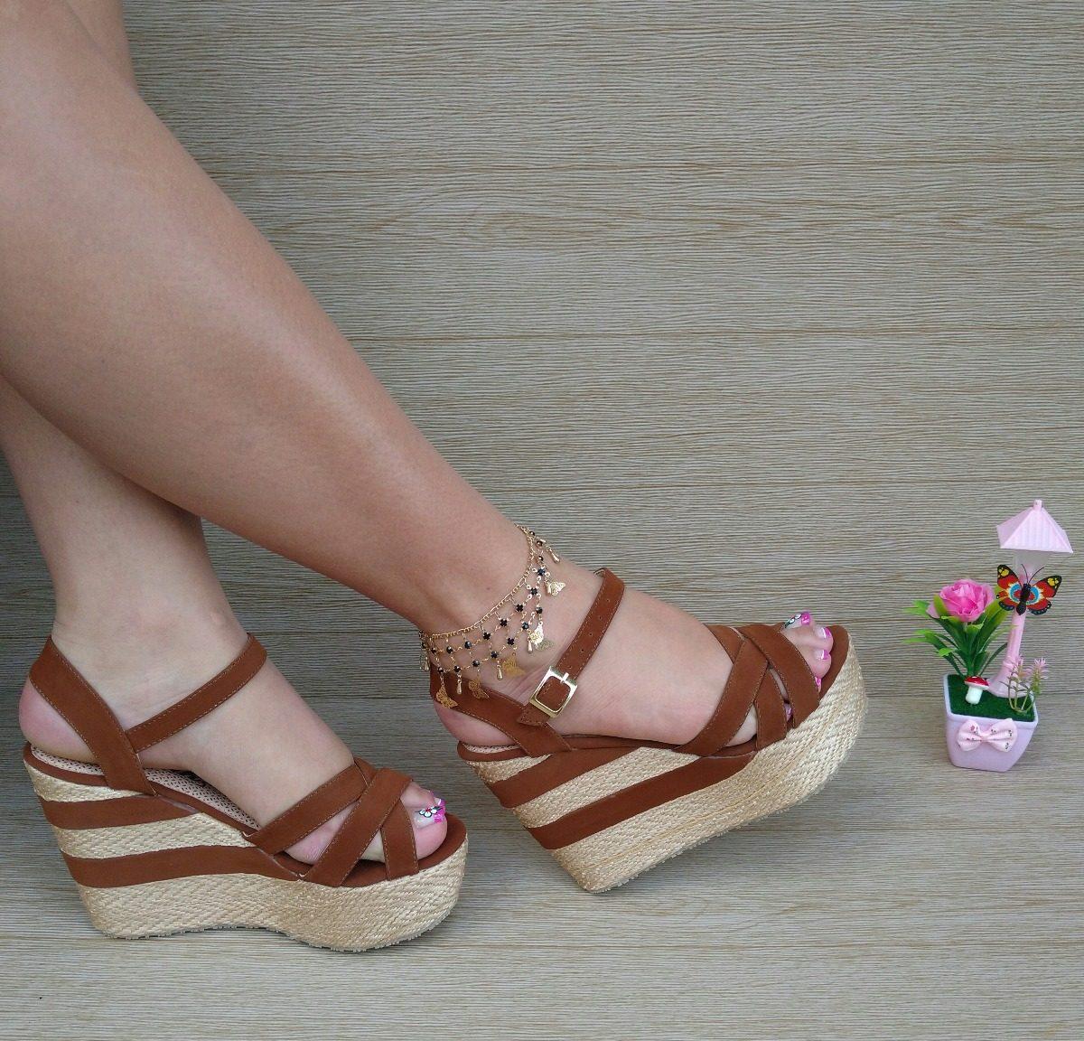 3b0017ae22a29 dama sandalia miel tacón corrido de moda para mujeres bellas. Cargando zoom.