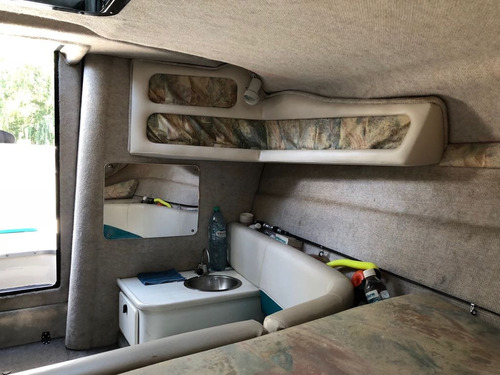 daycruiser seaswirl 250 usa  en muy buen estado retasado!!!!