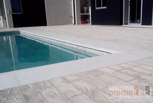 deck  atermico. cemento símil  madera. liston 50*12*2.5 cm.