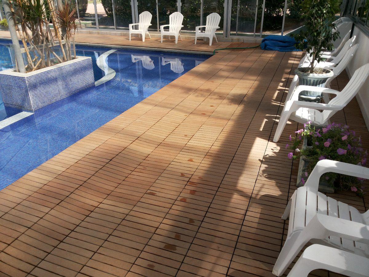 Deck de madera y resina para patios terrazas piscinas for Piscinas para terrazas