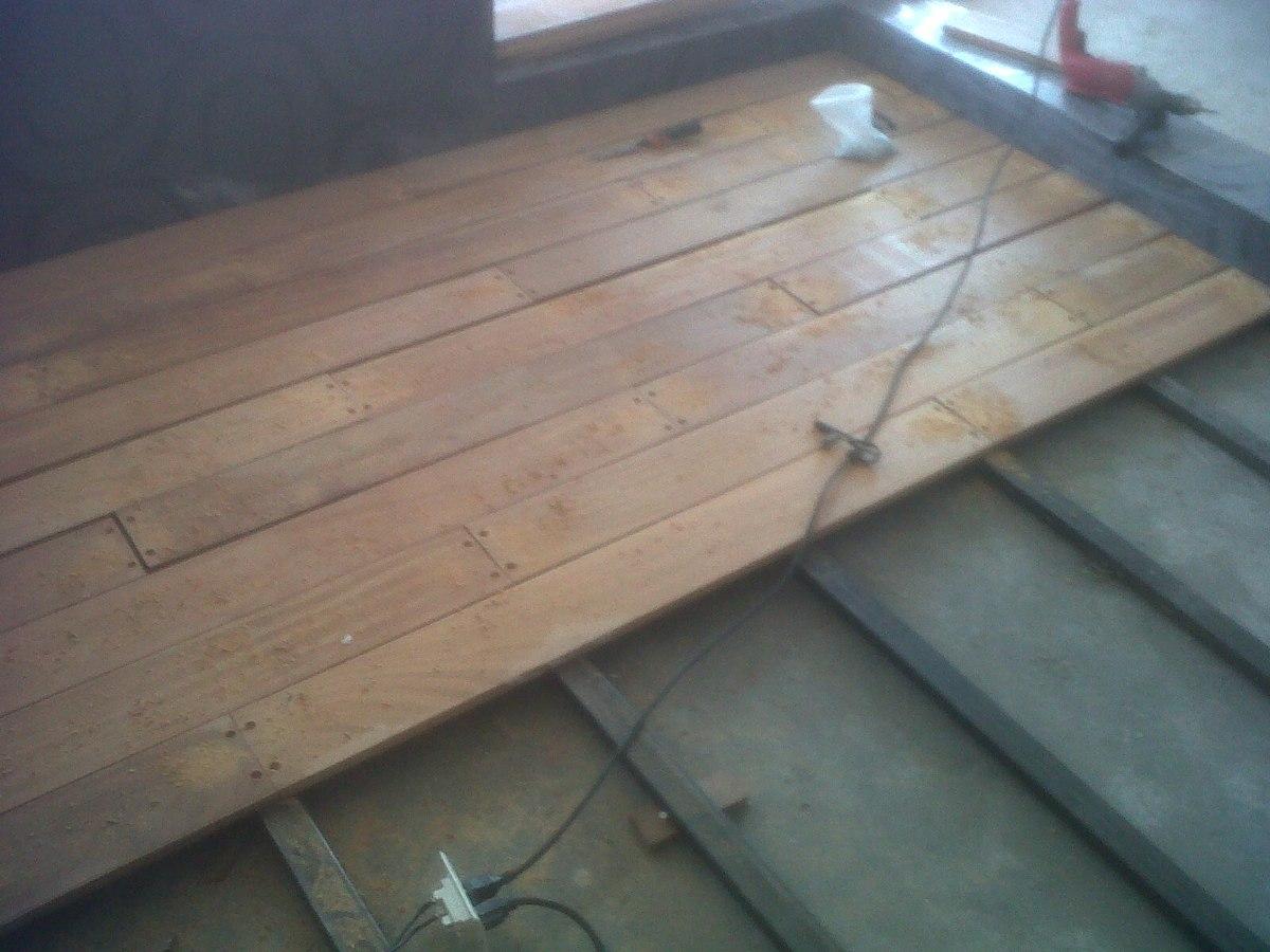 Deck de teca piso de madera para exterior en for Pisos de bar madera