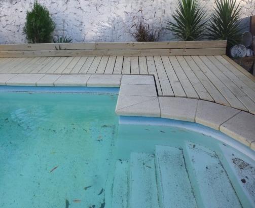 Decks madera tratada piscina y jard n en - Piscinas y jardines ...