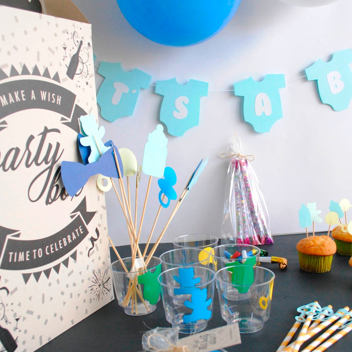 Decoraci n baby shower ni o s per completa en for Decoracion para pared de baby shower