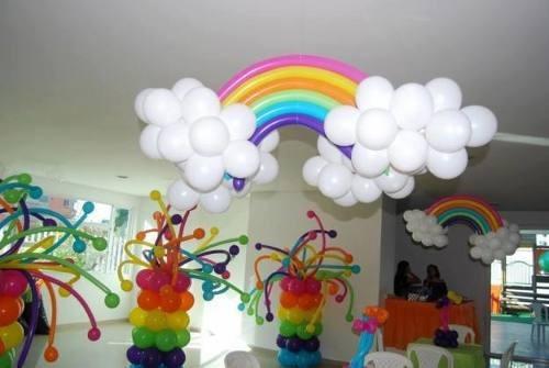 decoración con globos, golosinas personalizadas y candy bar!