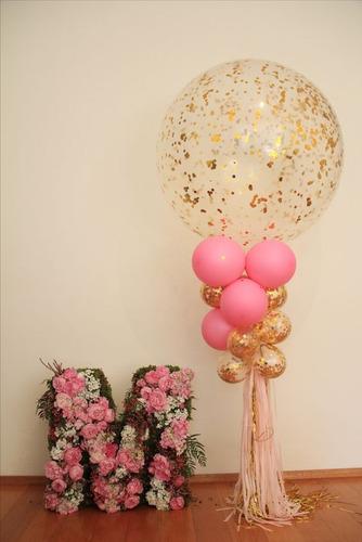 decoración de arreglos con globos y flores, amor