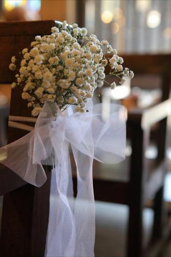 decoración de iglesias con flores y telas