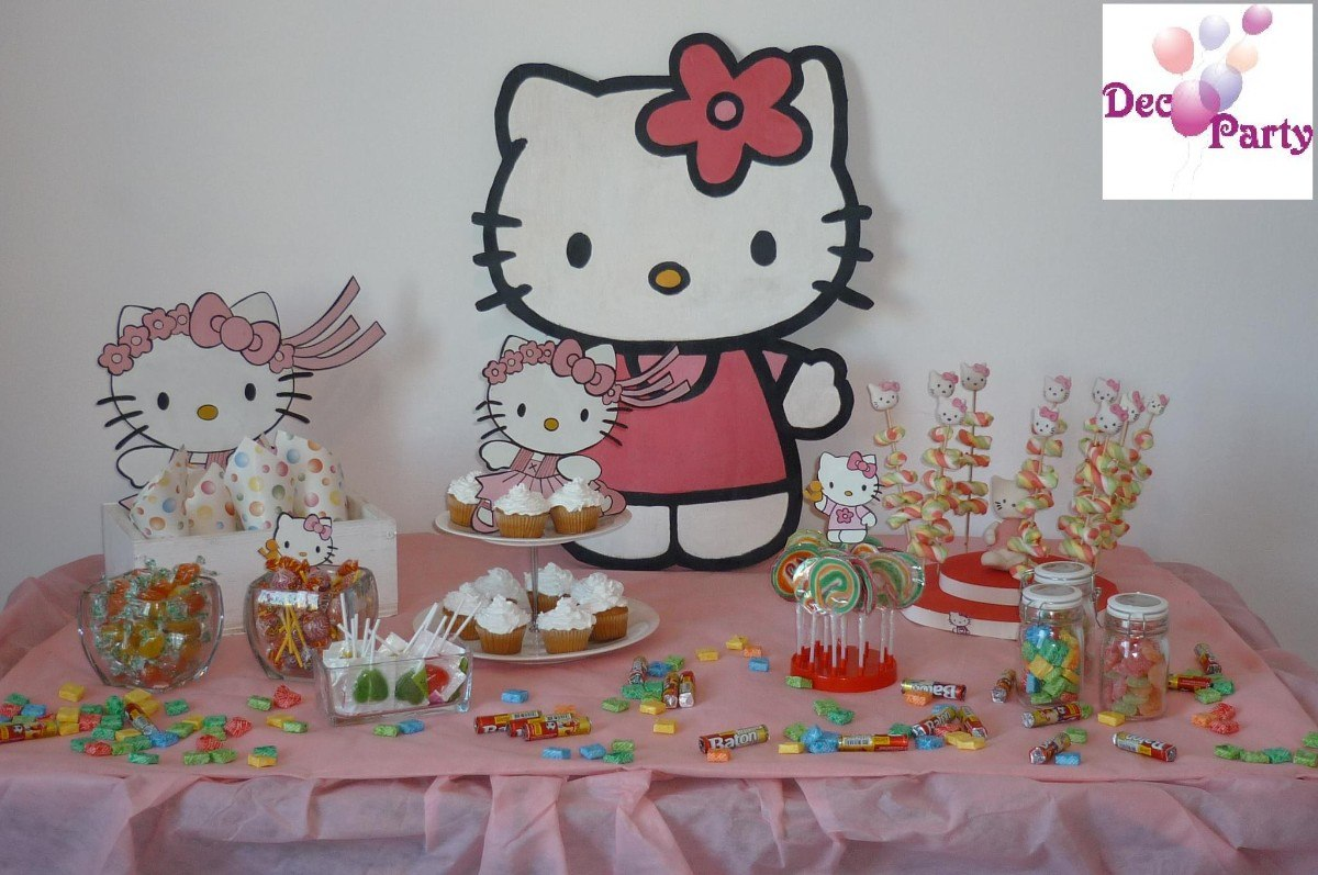 Decoraci n de mesa cumplea os infantiles motivo kitty for Decoracion de puertas para cumpleanos