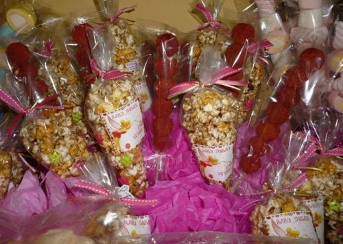 decoración de mesas de dulces y bocadillos