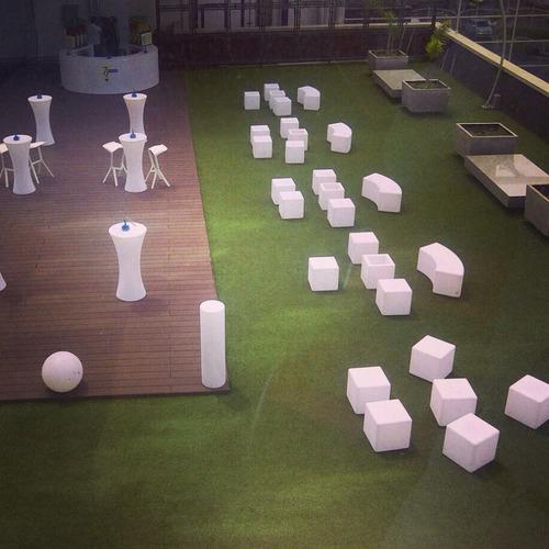 decoración led, ambientación puff y mobiliario lounge led