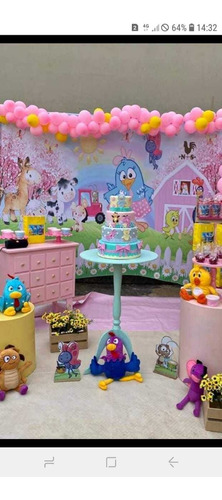 decoração com bolo levo monto e busco com bolo fake incluso.