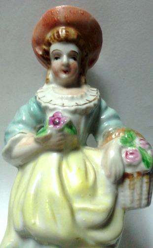 decorativa figura porcelana mujer florista antigua