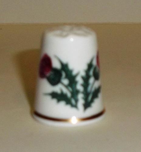 dedal de porcelana vintage luckenbooth,  inglés bone china