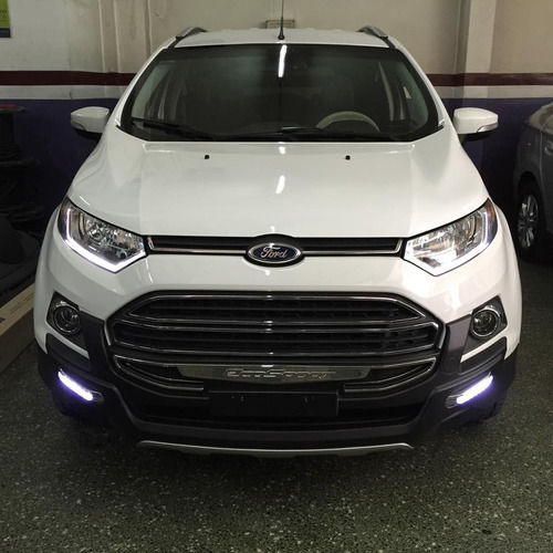 defensa urbana ford ecosport kinetic con luz instalada