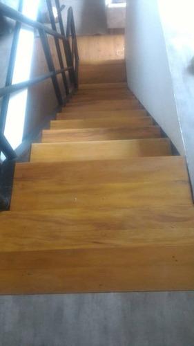 degraus escadas revestimento madeira demolição peroba rosa