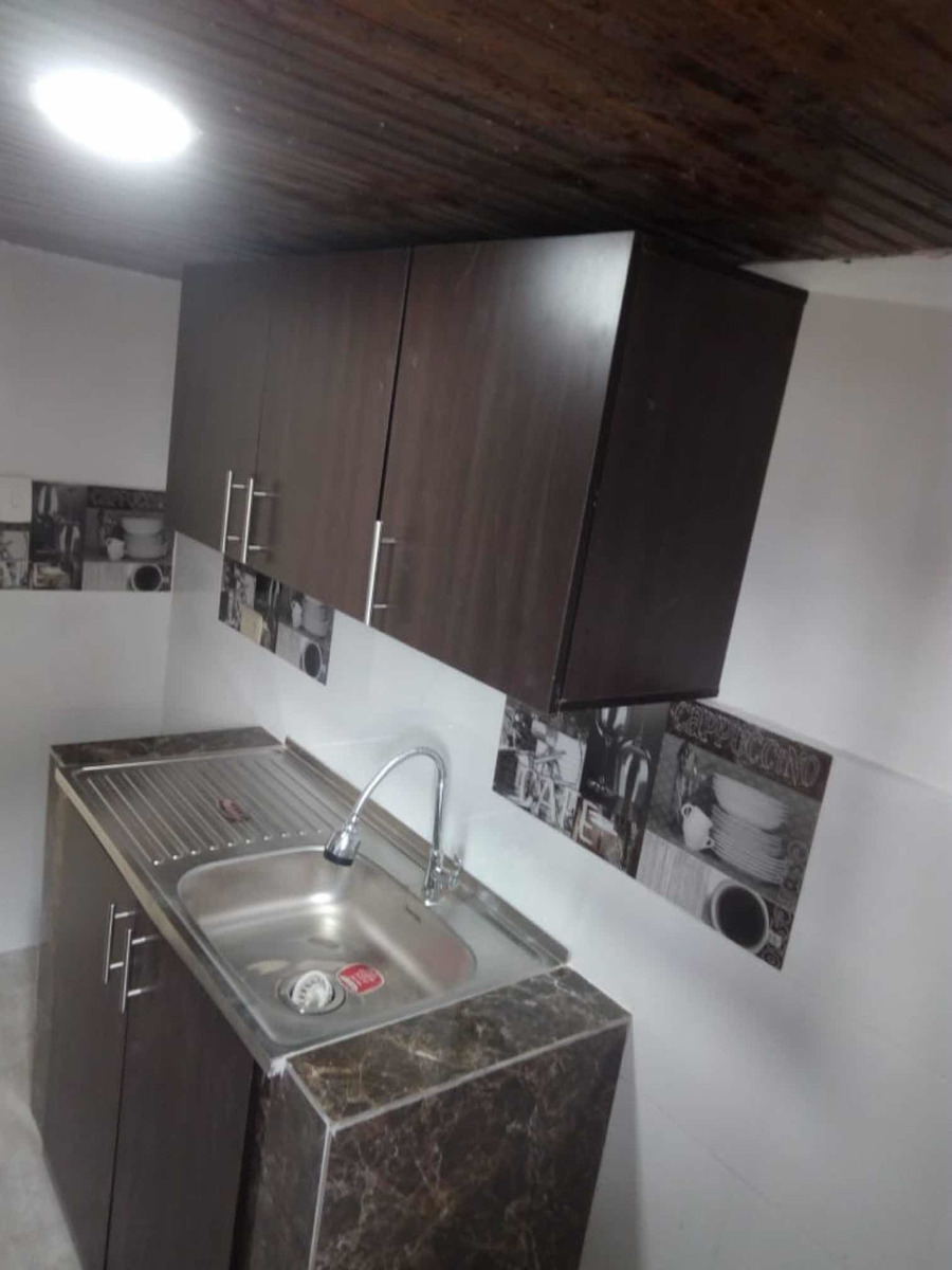 del parque inmobiliaria arrienda casa de 3 niveles armenia